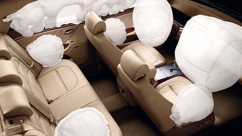 2011-Hyundai-Azera-Interior-Air-Bags